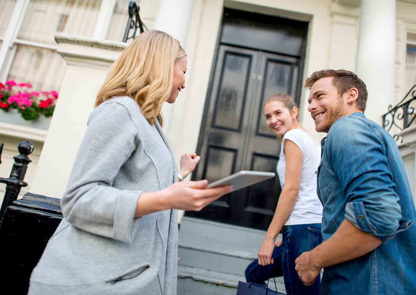 Agent on steps with tenants alt